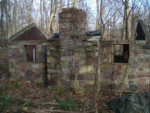 Tujunga stone midget house